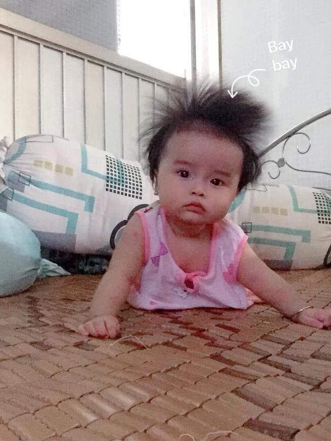 Cô nhóc 3 tháng tuổi có mái tóc dày và xù bông như trẻ 2 - 3 tuổi khiến nhiều người ngỡ ngàng - Ảnh 11.