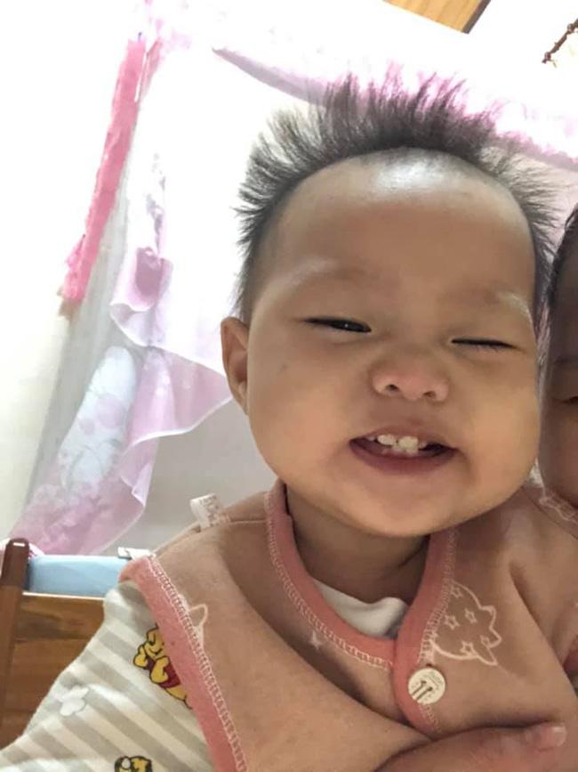 Cô nhóc 3 tháng tuổi có mái tóc dày và xù bông như trẻ 2 - 3 tuổi khiến nhiều người ngỡ ngàng - Ảnh 10.