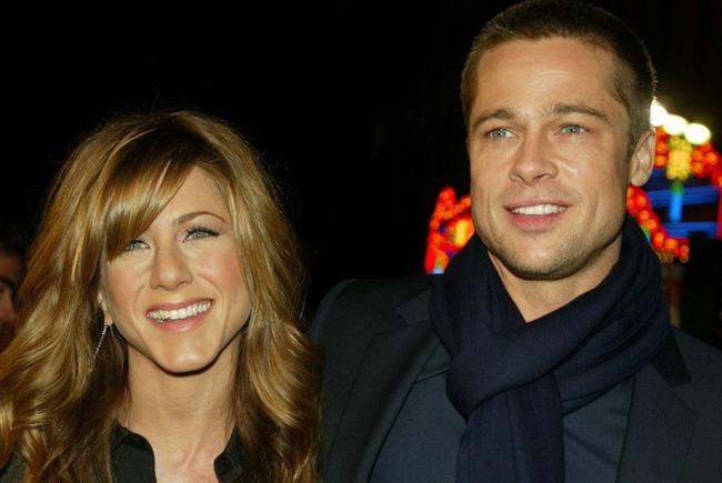 Nhìn lại hành trình từ yêu - cưới và chia tay rồi quay trở lại làm bạn của Brad Pitt và Jennifer Aniston - Ảnh 5.