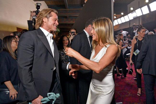 Nhìn lại hành trình từ yêu - cưới và chia tay rồi quay trở lại làm bạn của Brad Pitt và Jennifer Aniston - Ảnh 6.