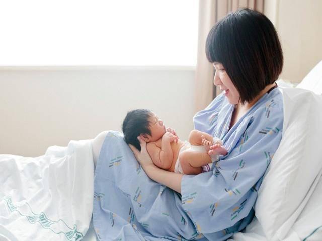 10 điều kiêng cữ nên và không nên làm dành cho các mẹ mới sinh con - Ảnh 4.