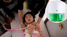Mẹ quay lưng đi chưa đầy 1 phút, con gái uống phải thứ nước  khiến 5 bác sĩ phải kiểm tra tim và làm vô số xét nghiệm khác
