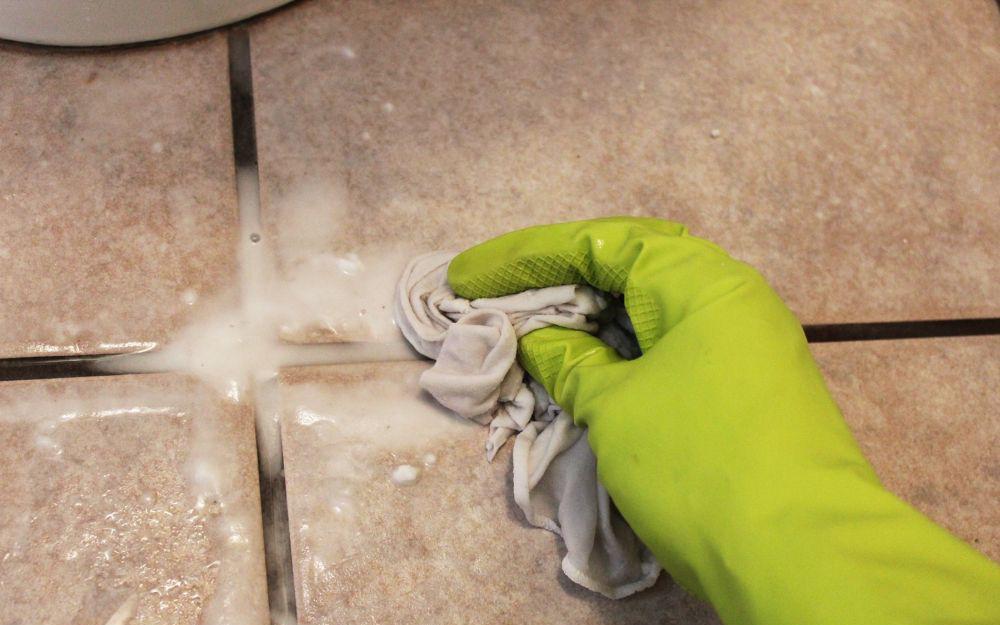 Mách chị em cách vệ sinh nhà tắm và bồn cầu cực nhanh chỉ nhờ 5 hỗn hợp chất tẩy tự nhiên an toàn cho sức khỏe - Ảnh 3.