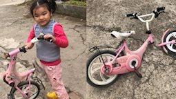 """Pha ngã xe đỉnh cao của """"tay lái"""" 5 tuổi: Xe một nơi bánh một nẻo, mẹ cười vỡ bụng nghe con gái tiết lộ nguyên nhân"""