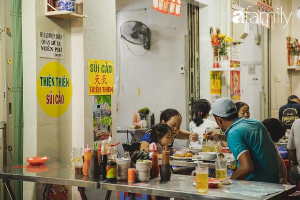 Chiều chiều kéo nhau đi ăn tiệm ở phố sủi cảo Hà Tôn Quyền, nét văn hóa thú vị của người Sài Gòn - Ảnh 8.