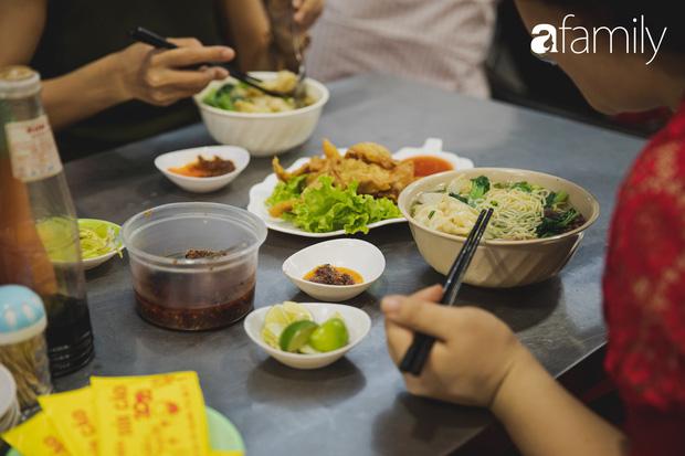 Chiều chiều kéo nhau đi ăn tiệm ở phố sủi cảo Hà Tôn Quyền, nét văn hóa thú vị của người Sài Gòn - Ảnh 9.