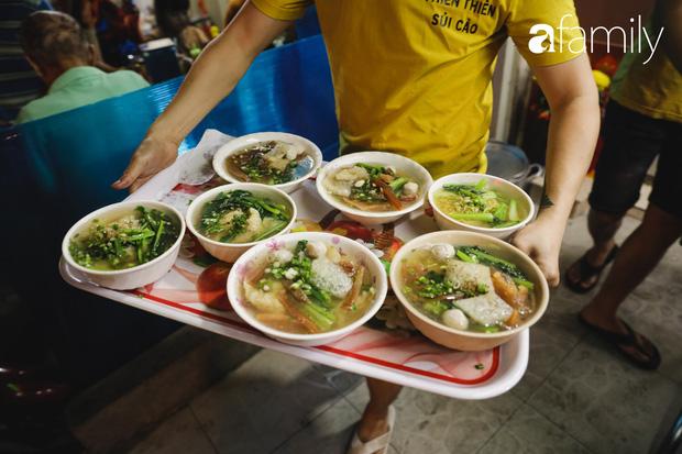 Chiều chiều kéo nhau đi ăn tiệm ở phố sủi cảo Hà Tôn Quyền, nét văn hóa thú vị của người Sài Gòn - Ảnh 10.