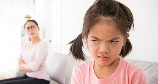 Dù tức con đến mấy, bố mẹ cũng tuyệt đối không được gào vào mặt con 5 câu nói này, nếu không con sẽ khó có thể trở thành người thành công hạnh phúc - Ảnh 3.