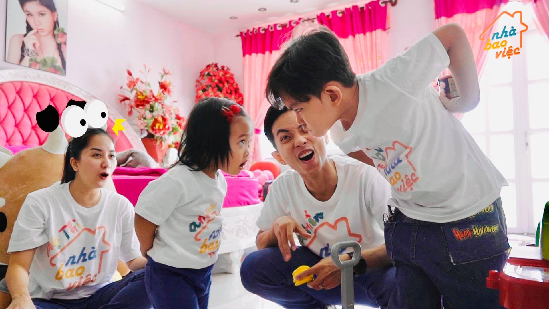 Kubi tị vì bố mẹ chỉ quan tâm em gái, Khánh Thi hài hước nói một câu khiến cậu bé phì cười, hết giận dỗi tức thì - Ảnh 2.
