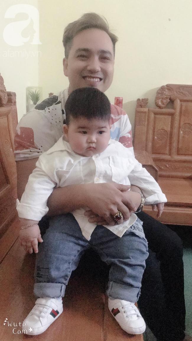 Hội mẹ bỉm thích thú vì cậu bé mập ú 1 tuổi đã 17kg, ai nhìn cũng muốn bế nhưng chỉ được vài phút là trả vì... nặng - Ảnh 13.