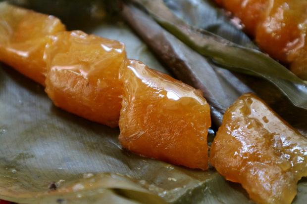 """Việt Nam có một món bánh """"nhầy nhầy"""" là đặc sản, nhiều người khi nhìn lại sẽ giật mình vì đã quên mất thức quà tuổi thơ này - Ảnh 4."""