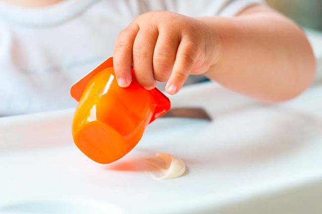 Mùa dịch COVID-19: Bố mẹ có con nhỏ cần nhớ không hoãn tiêm phòng, không nhốt con ru rú trong nhà - Ảnh 4.