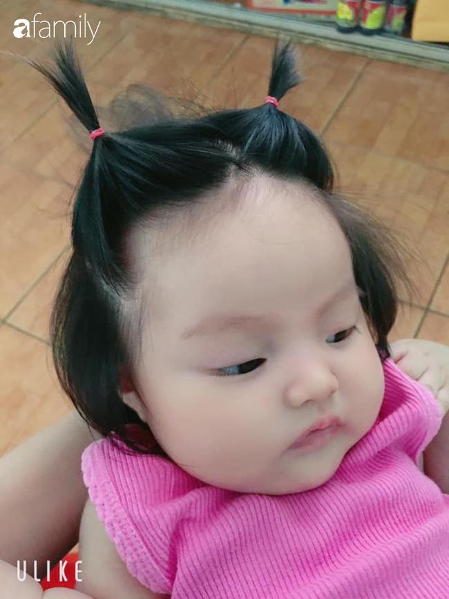 Bé gái 3 tháng tuổi gây sốt vì mái tóc