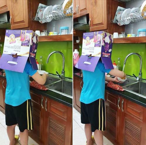 Nhờ con trai học lớp 3 đi rửa bát, quay qua quay lại mẹ cười té ngửa với sự sáng tạo bá đạo của con - Ảnh 1.