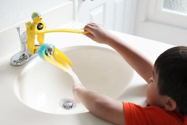 Những sáng chế dành riêng cho mẹ và bé, có cả máy pha sữa tự động đảm bảo mẹ nào cũng thích. - Ảnh 1.