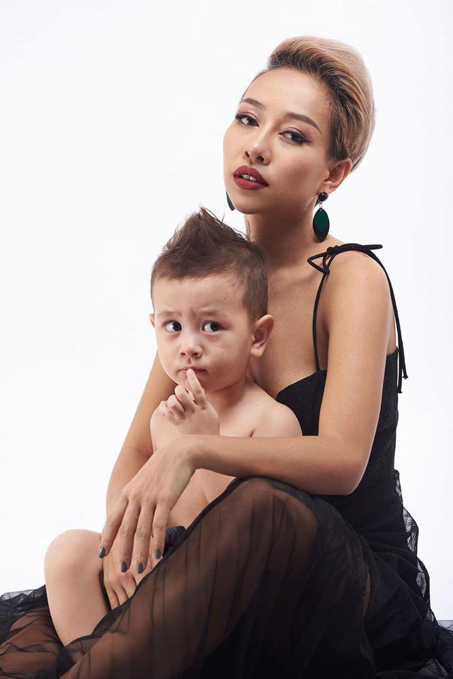 Thảo Trang bật khóc khi tiết lộ chuyện bố của con trai cô đã qua đời - Ảnh 1.