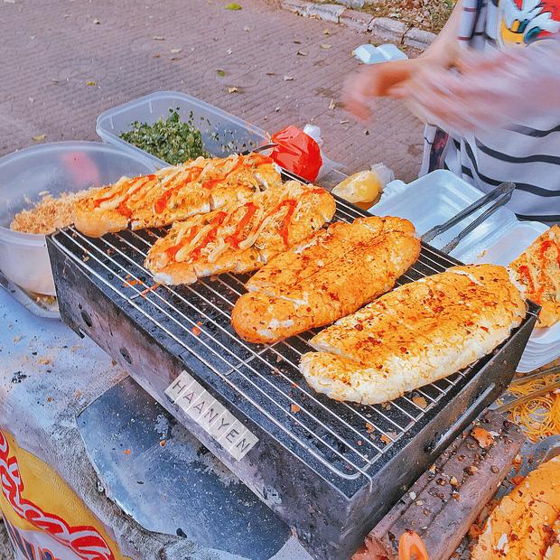 5 cách biến tấu độc lạ giúp bánh mì Việt đạt đến đẳng cấp hoàn toàn khác, ai bảo chỉ kẹp các loại nhân mới ngon? - Ảnh 9.