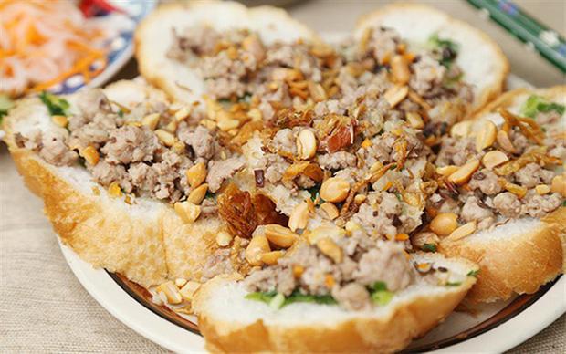 5 cách biến tấu độc lạ giúp bánh mì Việt đạt đến đẳng cấp hoàn toàn khác, ai bảo chỉ kẹp các loại nhân mới ngon? - Ảnh 4.
