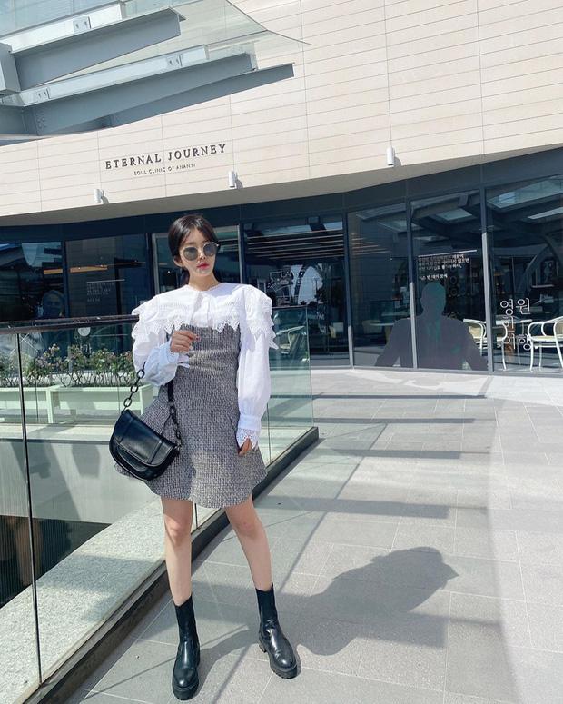 """Kiểu áo """"bánh bèo động trời"""" được gái Hàn xem như chân ái, mix đồ hiện đại mà không thắm mới hay - Ảnh 6."""