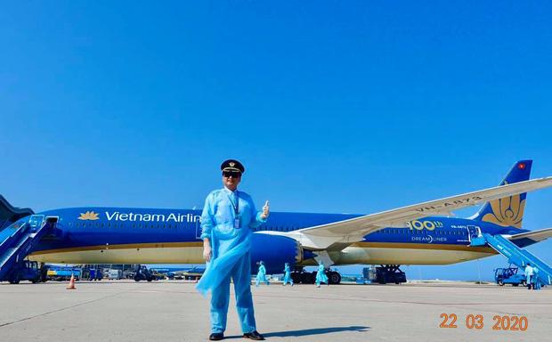 Cơ trưởng chuyến bay giải cứu đến tâm dịch Nhật Bản: Chúng tôi đến đây vì họ và sẵn sàng làm tất cả để không một ai bị bỏ lại - Ảnh 11.