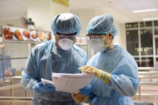 Bộ Y tế: 3 bệnh nhân COVID-19 số 45, 53 và 66 đã bình phục, sẽ chuyển cơ sở điều trị trong ngày 27/3 - Ảnh 1.