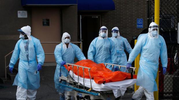 Mỹ có hơn 1.000 ca tử vong trong ngày, bang New York khẩn thiết kêu cứu - Ảnh 1.