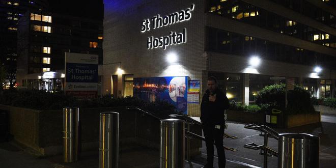 Bệnh tình Thủ tướng Anh xấu đi rất nhanh trong 2 tiếng trước khi vào phòng ICU, vẫn có ý thức nhưng khó thở - Ảnh 1.