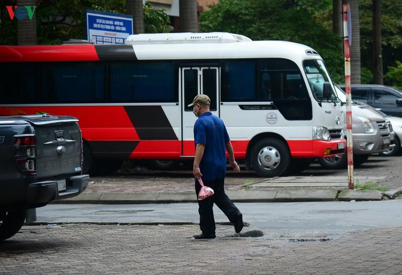 Kỳ lạ nhiều người đi xe ga, dân chung cư,... vẫn xuống