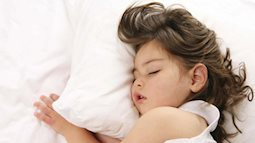Cảnh báo nguy cơ rối loạn thở trong khi ngủ ở trẻ