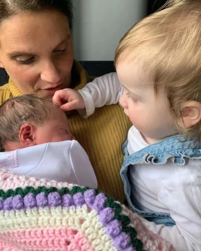 Đón đứa con thứ 22 chào đời, bà mẹ siêu nhân đã chính thức trải qua tổng cộng 800 tuần mang thai trong đời - Ảnh 2.