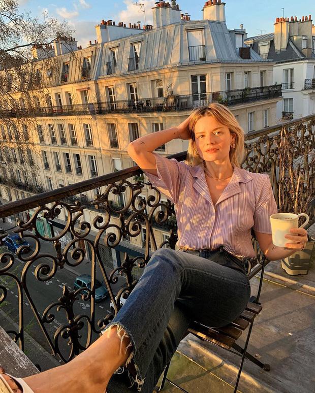 Các người đẹp Pháp thích áo sơ mi ngắn tay cực kỳ, diện lên trẻ trung mà điểm thanh lịch cũng cao ngất - Ảnh 5.