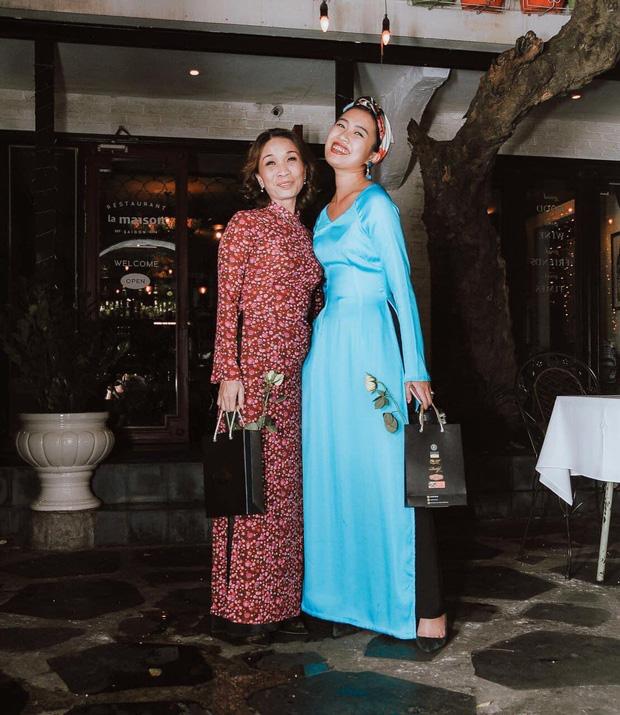 Gái xinh bóc mẹ U50 vẫn cân đẹp style gợi cảm, có những bộ đồ lồng lộn như minh tinh chỉ để... đi chợ - Ảnh 1.
