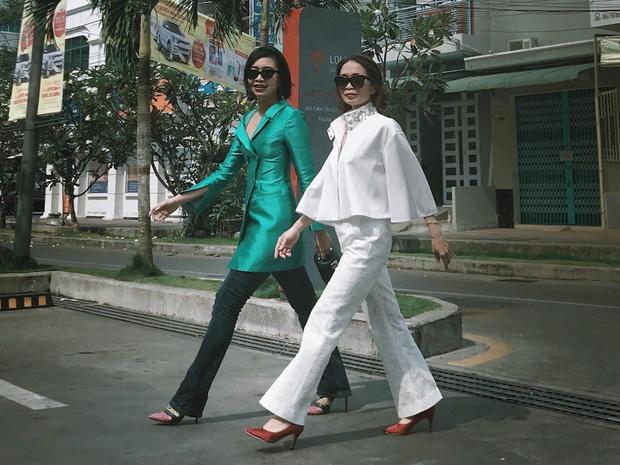 Gái xinh bóc mẹ U50 vẫn cân đẹp style gợi cảm, có những bộ đồ lồng lộn như minh tinh chỉ để... đi chợ - Ảnh 3.