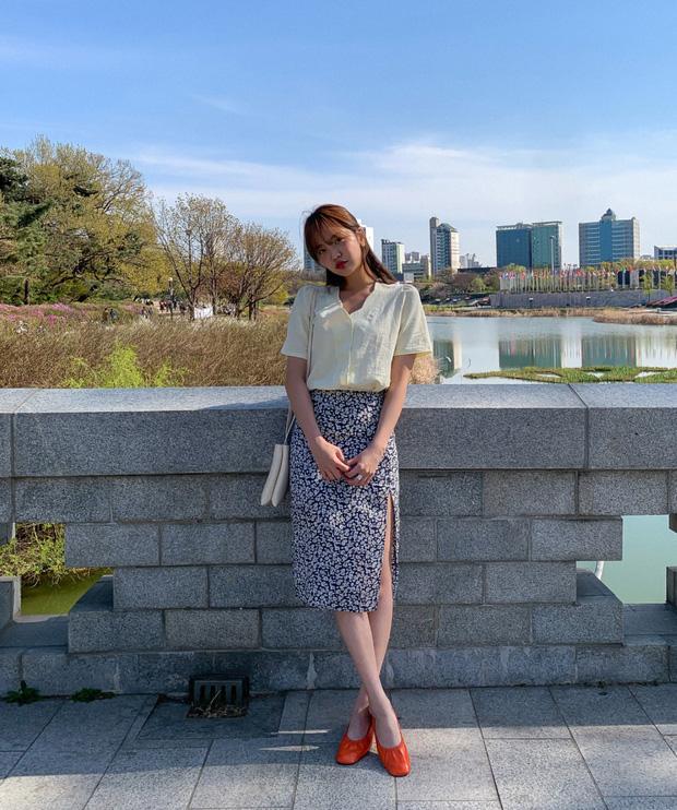 Sao phải khổ công dùng app kéo chân, chị em cứ diện kiểu váy này là cặp chân sẽ được kéo dài ảo diệu - Ảnh 2.
