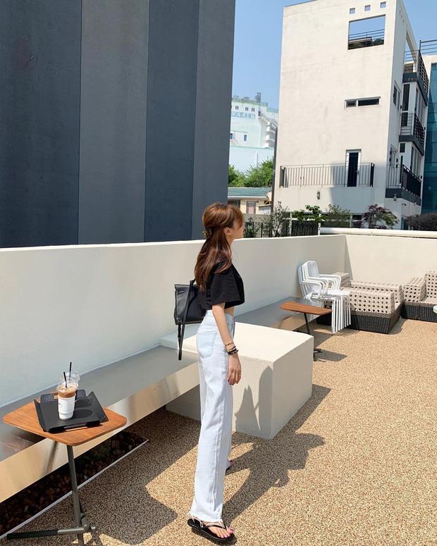 10 kiểu áo mix cùng quần ống rộng đẹp thần sầu, hè diện mát mẻ mà vẫn trendy nàng nào cũng nên copy - Ảnh 3.