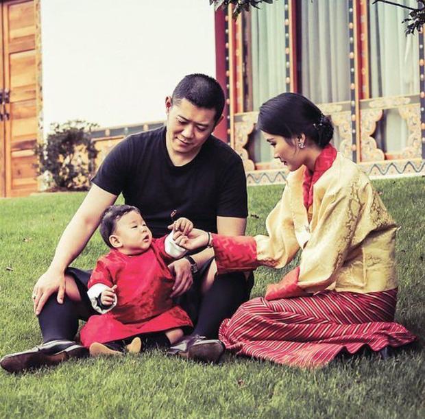 Hoàng hậu vạn người mê Bhutan: Người mẹ coi việc nuôi dưỡng con giống như chăm một cây xanh, tưởng chừng đơn giản nhưng không phải ai cũng làm được - Ảnh 7.
