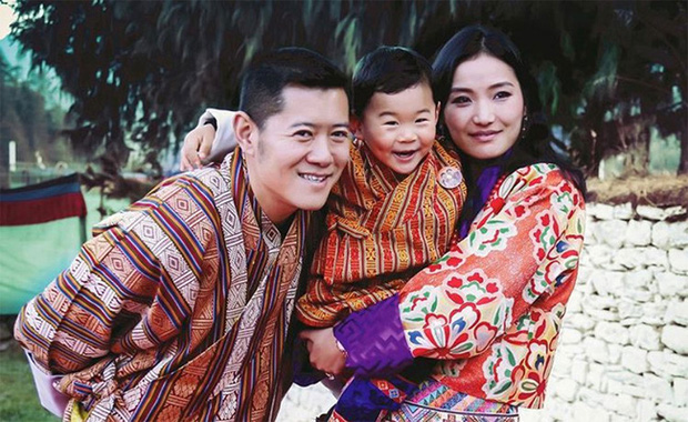 Hoàng hậu vạn người mê Bhutan: Người mẹ coi việc nuôi dưỡng con giống như chăm một cây xanh, tưởng chừng đơn giản nhưng không phải ai cũng làm được - Ảnh 9.