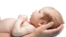 Thóp sau của bé sơ sinh bị lõm: 5 nguyên nhân mẹ cần lưu ý