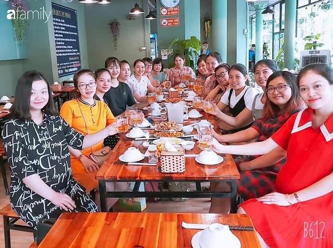 Quen nhau qua mạng, hội bỉm sữa Hà Nội lập team tụ tập ăn uống đều đặn, đẻ xong tâm sự suốt ngày để tránh trầm cảm sau sinh - Ảnh 2.