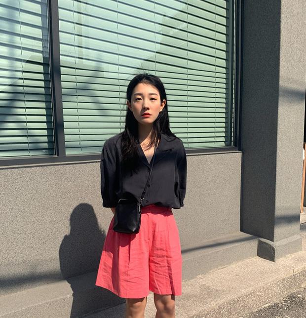 Muốn được khen sành điệu và có duyên, chị em hãy chọn quần shorts dáng rộng thay vì kiểu ngắn cũn bó chẽn thế này - Ảnh 10.