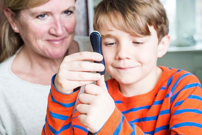 Đừng bỏ qua 8 triệu chứng tiểu đường tuýp 1 ở trẻ em - Ảnh 11.