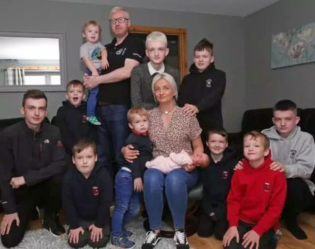 Bà mẹ sinh tới 10 cậu con trai liên tiếp chỉ để tìm kiếm một điều, tới đứa trẻ thứ 11 cô mới đạt được mong ước - Ảnh 2.