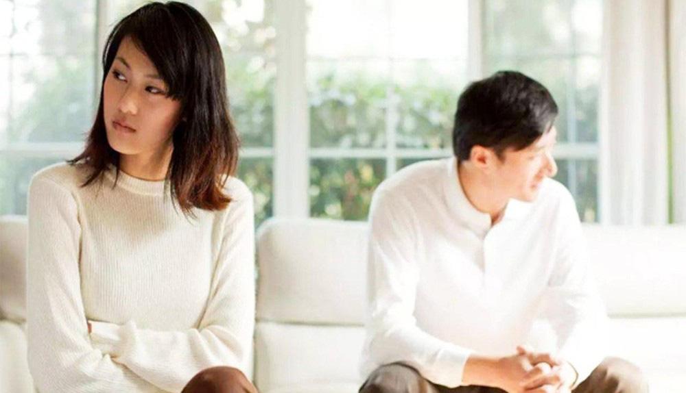 Những hành động hằng ngày của đàn ông trực tiếp phá hoại hôn nhân mà họ vẫn nghĩ Vợ mình có sao đâu - Ảnh 2.