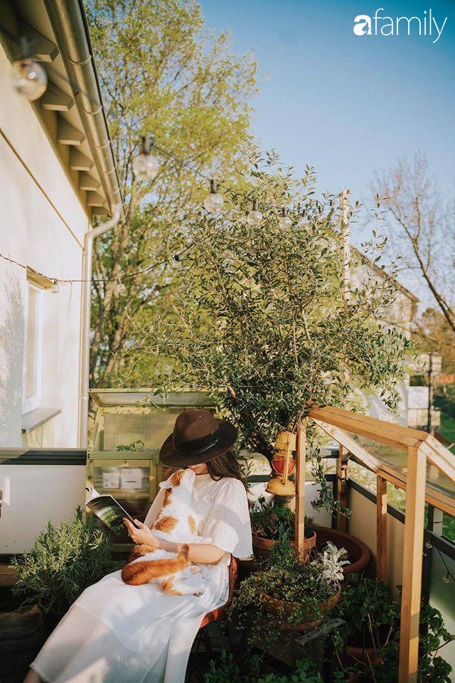 Cuộc sống êm đềm như tranh của đôi vợ chồng trẻ người Việt ở Đức: Dù sống giữa vùng dịch vẫn bình thản trồng rau, làm bánh, đưa con đi dạo giữa rừng cây - Ảnh 4.