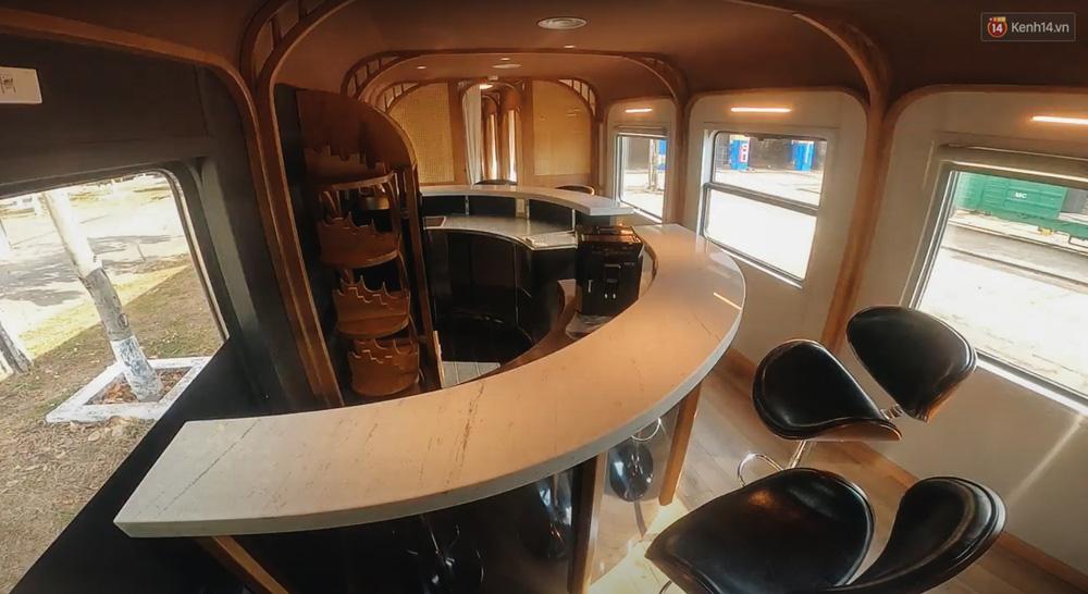Cận cảnh toa tàu lửa có quầy bar và ghế massage thư giãn đầu tiên ở Việt Nam sắp đón khách - Ảnh 10.