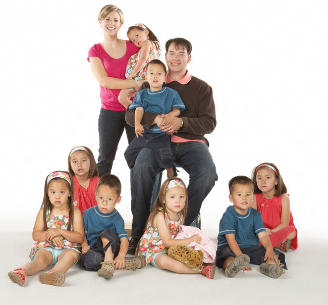 Cuộc sống đầy thú vị cũng như trắc trở của gia đình nổi tiếng đông con vào hàng bậc nhất Hollywood - Ảnh 5.