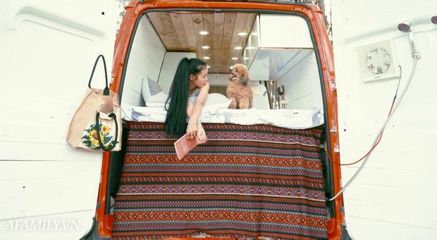 Đôi vợ chồng bỏ 120 triệu đồng mua ô tô cũ về làm thành ngôi nhà di động với đầy đủ bếp núc, phòng ngủ rồi chở con đi du lịch khắp Việt Nam! - Ảnh 9.