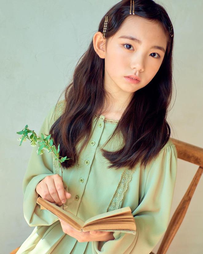 Xót xa câu chuyện mẫu nhí xứ Hàn sở hữu gương mặt đẹp nhất thế giới phải đối diện với bệnh tật vì lạm dụng mỹ phẩm - Ảnh 2.