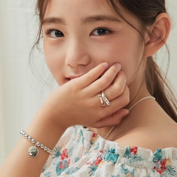 Xót xa câu chuyện mẫu nhí xứ Hàn sở hữu gương mặt đẹp nhất thế giới phải đối diện với bệnh tật vì lạm dụng mỹ phẩm - Ảnh 6.