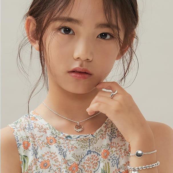 Xót xa câu chuyện mẫu nhí xứ Hàn sở hữu gương mặt đẹp nhất thế giới phải đối diện với bệnh tật vì lạm dụng mỹ phẩm - Ảnh 7.